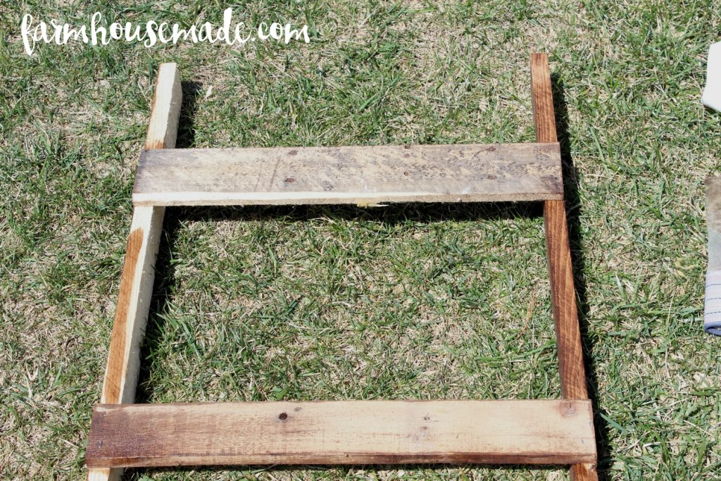 This pallet blanket ladder is adorable, imperfect, and looks wonderful with all my blankets!
