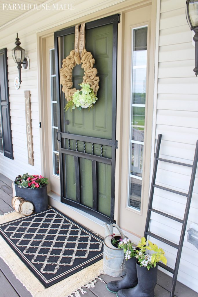 Farmhouse Porch Landing - Welcome to the most relaxing porch ever!