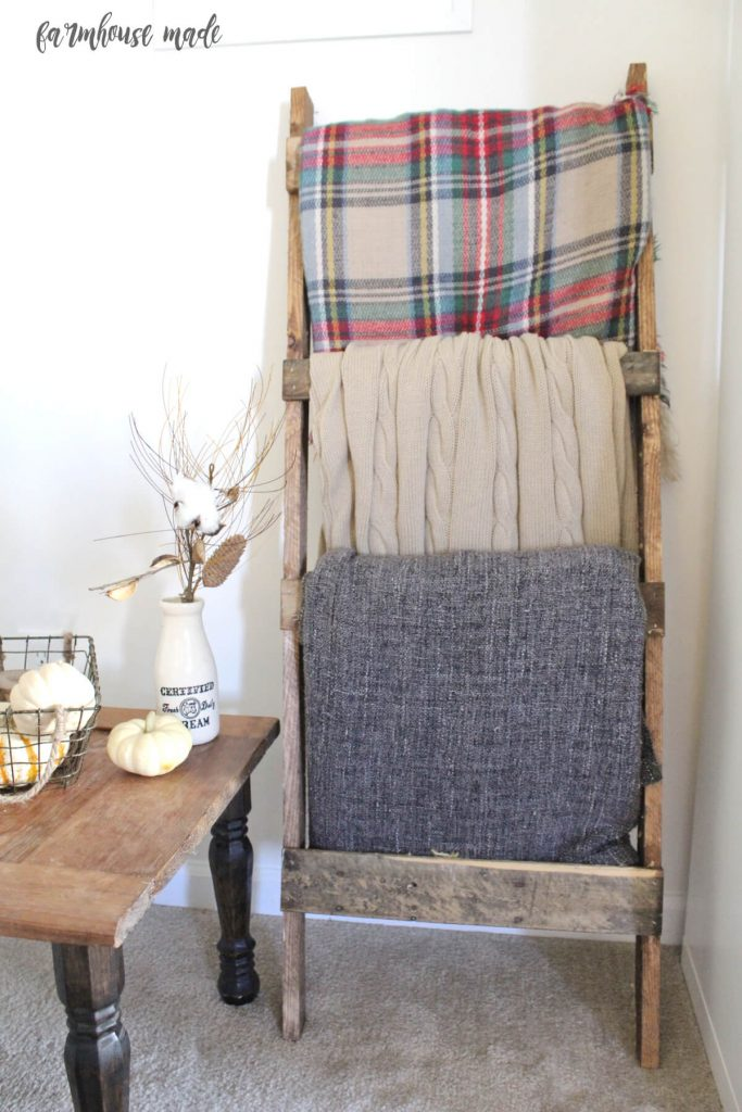 That top blanket? It's a blanket scarf! Make your own blanket scarf, this bloggers' is so cute!!
