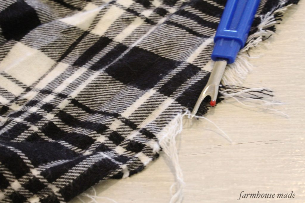 This blanket scarf is so easy and makes the best gift!!