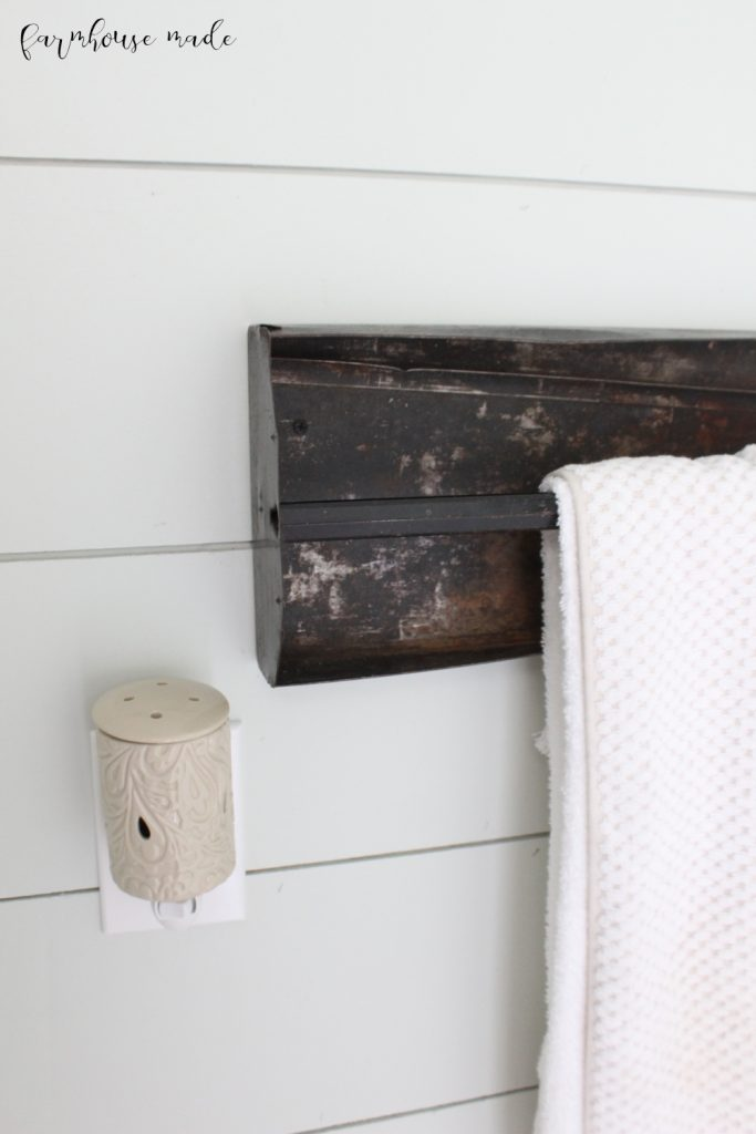 Farmhouse Style Powder Room Makeover: Use some salvaged pieces in your budget reno, like this salvaged tool box tray!