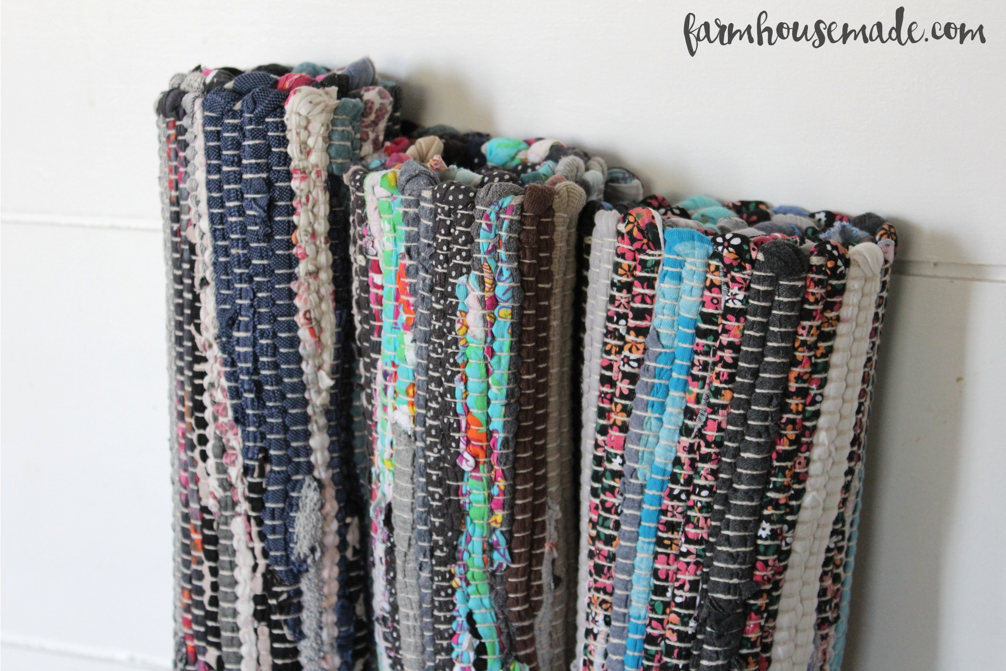 Awesome DIY Knockoff Chindi Rug Runner