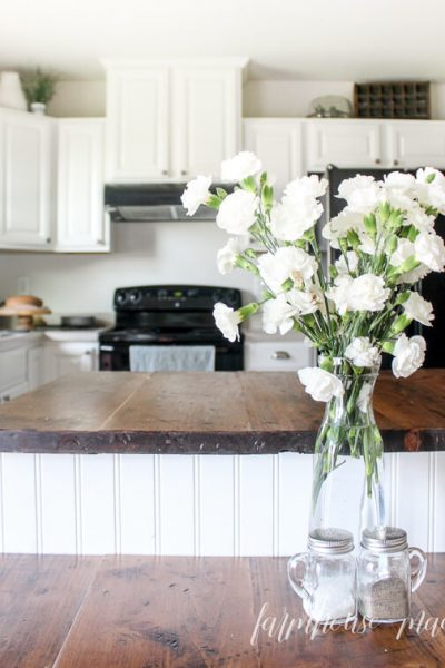 Farmhouse made adding farmhouse charm one diy at a time for Best bonding primer for kitchen cabinets